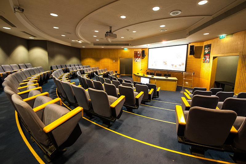 AMPHI.centre-de-conferences